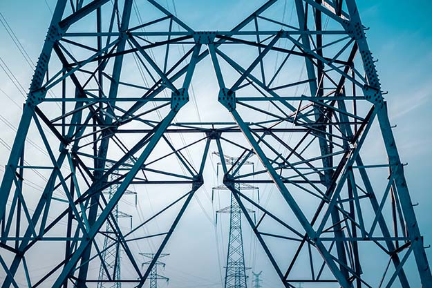 National Power Grid Outage: What's The Greatest Threat? by Survival Life at http://survivallife.staging.wpengine.com/2015/08/04/national-power-grid-outage/