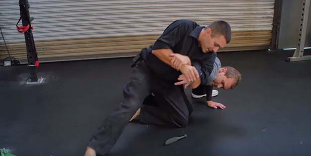 Self Defense Tactics: Close Quarters Defense by Survival Life at http://survivallife.staging.wpengine.com/2015/08/10/self-defense-tactics-close-quarters