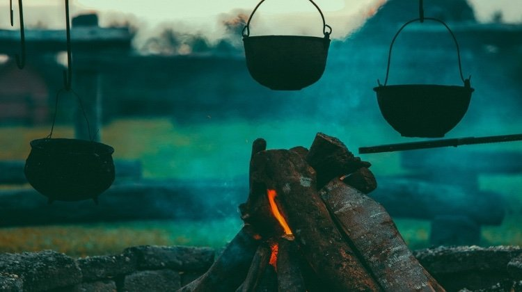 Feature | How to Make a Smokeless Campfire