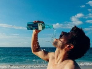 how to stay hydrated feature 1