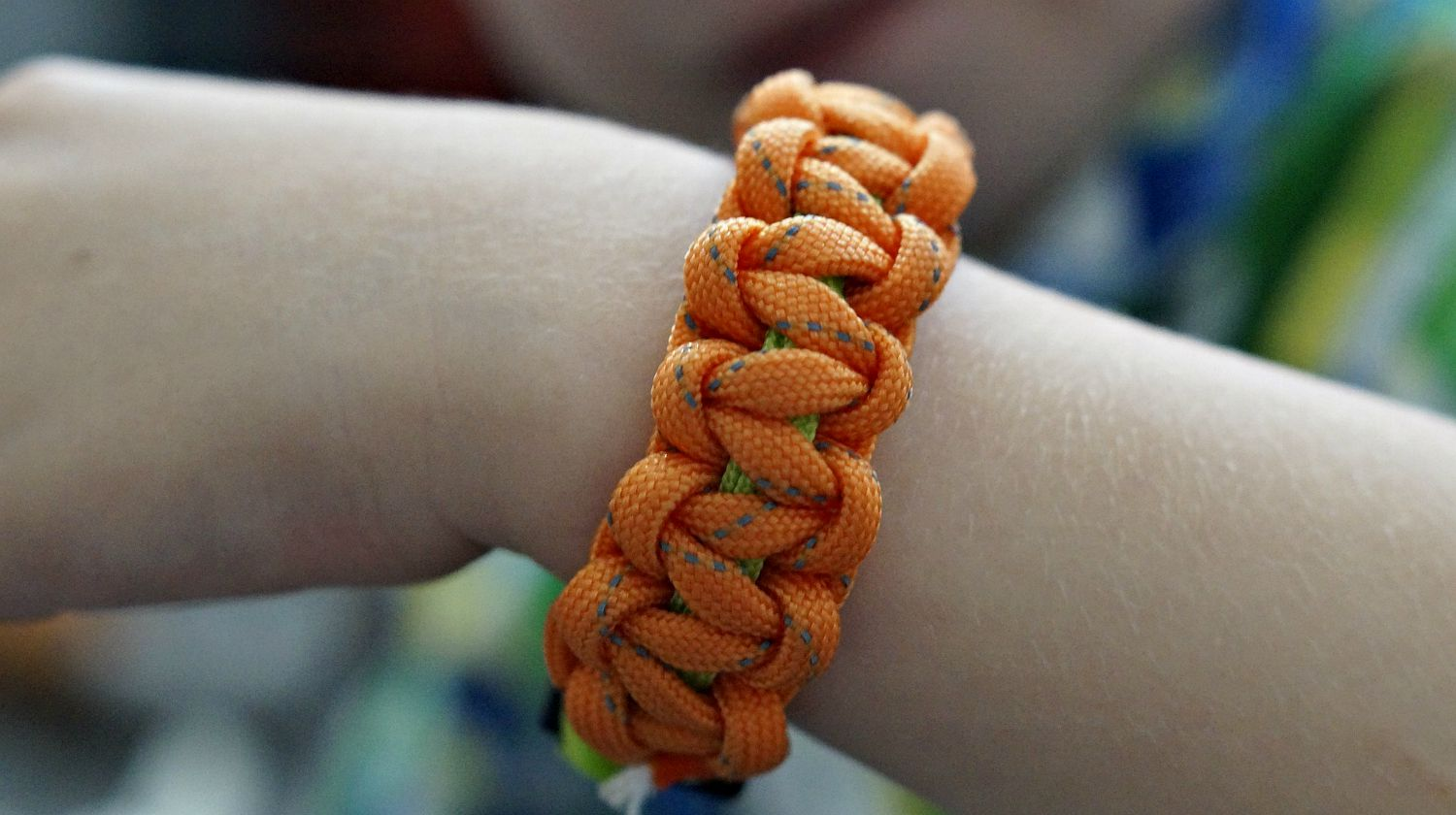 Feature | Orange paracord bracelet | Uses for Paracord That Will Surprise You