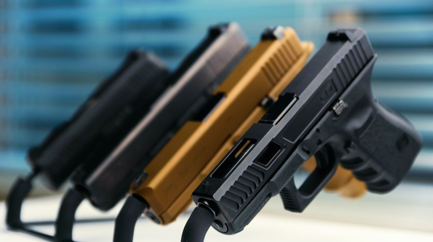Feature | Gun rack with Glock 19, Glock 19x, Glock 17 and sig sauer p365 | Glock vs M&P vs XD: A Comparison