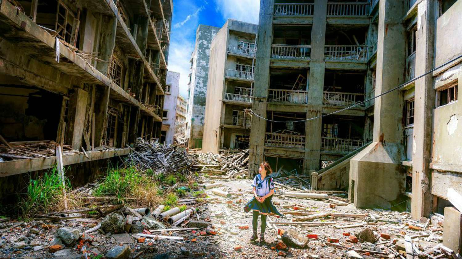 Feature | Girl Looking in Building Destroyed | Disaster Hot Spots That Will Get You Killed