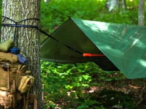Outdoor hammock bushcraft | How To Build An Overnight Bushcraft Camp | Featured