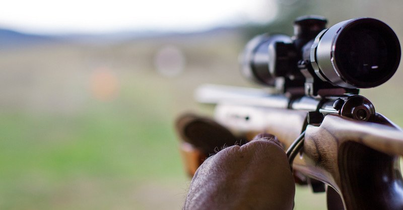 A shooter sighting in the target | long range shooting classes