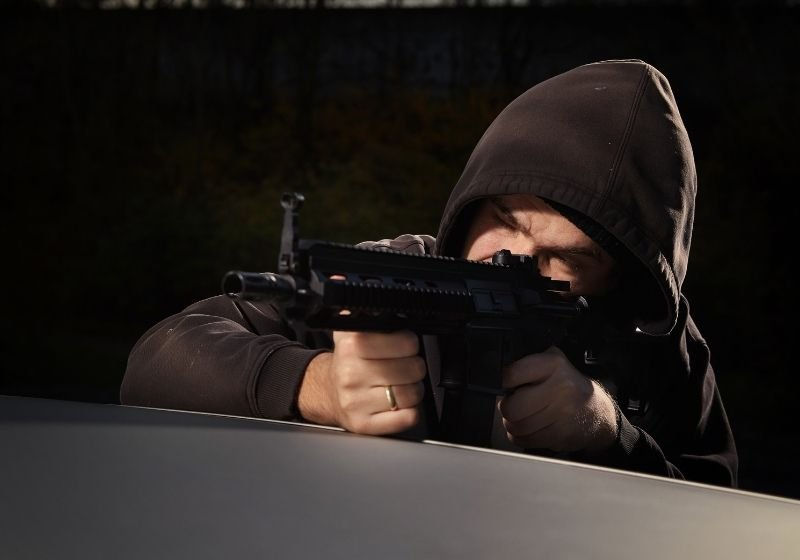 Man with assault carbine 9mm carbines SS